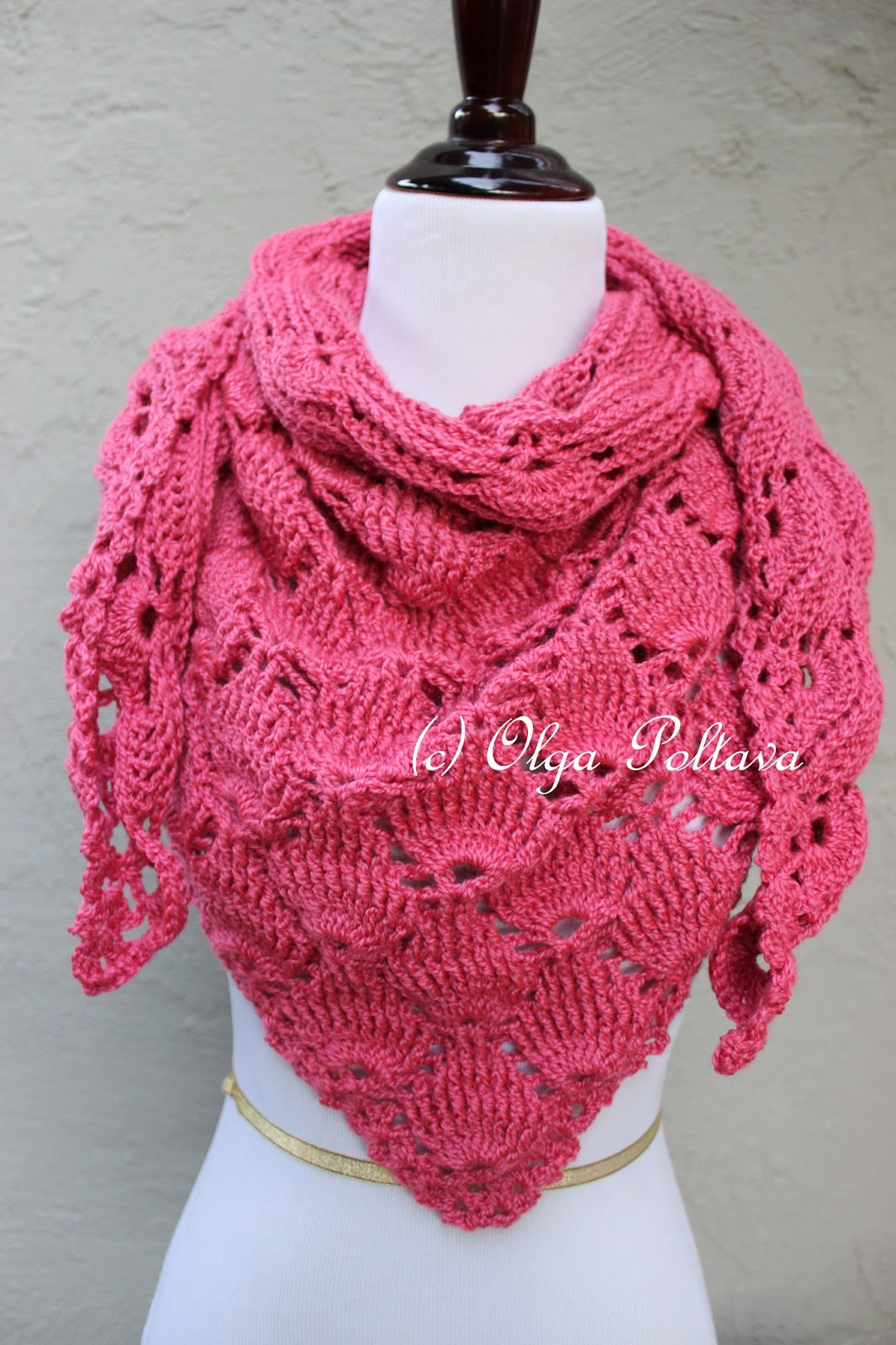 Crochet Scarf Pattern Q Hook : Lacy Crochet: Bright Pink Shells Crochet Scarf