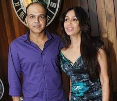 Ashutosh Gowariker Family Wife Son Daughter Father Mother Age Height Biography Profile Wedding Photos