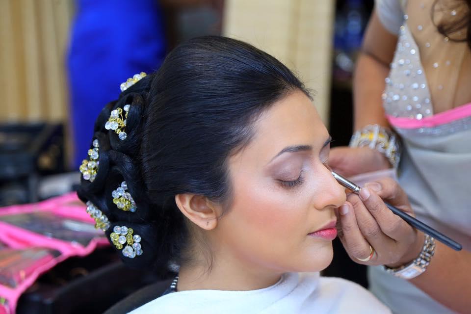 How To Do Kandyan Bridal Makeup : Kandyan Bridal Eye Makeup - Makeup Vidalondon