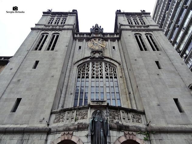 Perspectiva inferior da fachada da Basílica Abacial Nossa Senhora da Assunção - Mosteiro de São Bento - Centro - São Paulo