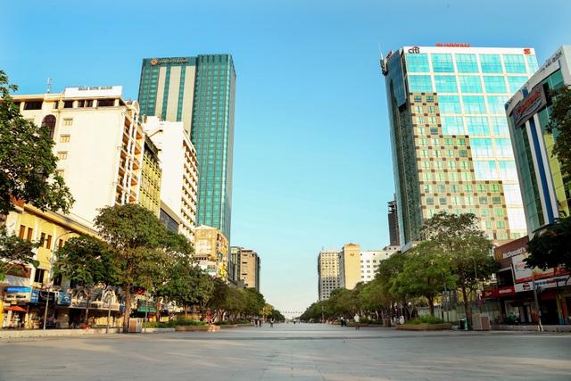 Có một Sài Gòn vắng vẻ ngoài sức tưởng tượng, cảm xúc rất khó tả!