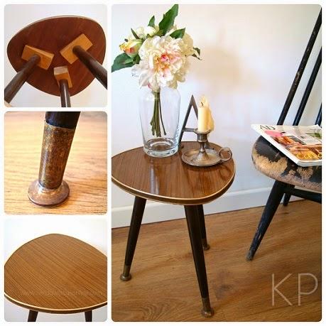 Muebles vintage en valencia. Decoración y objetos decorativos. Mesitas auxiliares alemanas tipo púa con fórmica y forma triangular.