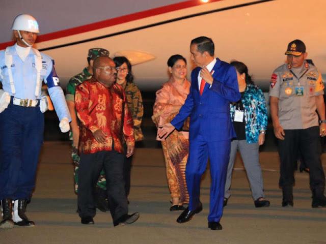 Jokowi Dukung Lukas Enembe Bangun Kerjasama Papua - PNG