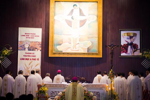Lễ truyền chức Phó tế và Linh mục tại Giáo phận Lạng Sơn Cao Bằng 27.12.2017 - Ảnh minh hoạ 140