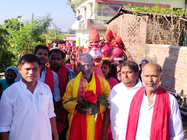 जीमूतवाहन पूजा को लेकर परकौली में निकली आध्यात्मिक माहौल में कलश यात्रा