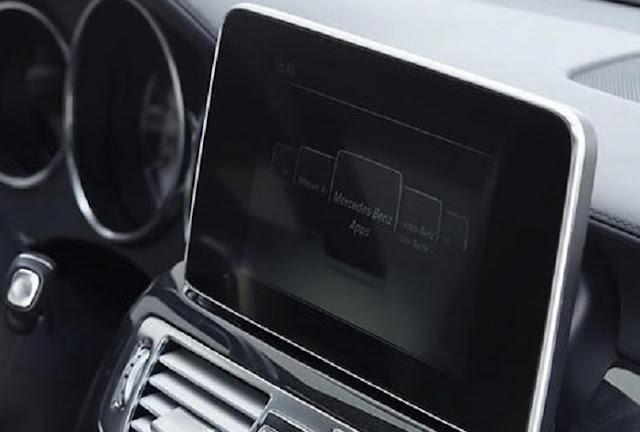 Mercedes CLS 400 sử dụng Màn hình màu TFT 8 Inch