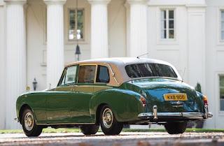 Rolls Royce Phantom VI Limousine Rear