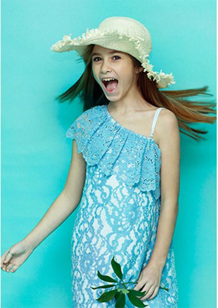 Vestido con volado de moda verano 2018 para niñas.