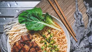 Makan Mi Instan Nikmat Ala Drama Korea