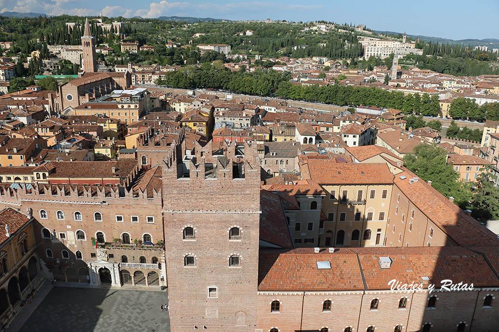 Vistas desde la torre Lamberti de Verona