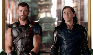 Tom Hiddleston and Chris Hemsworth in Thor Ragnarok