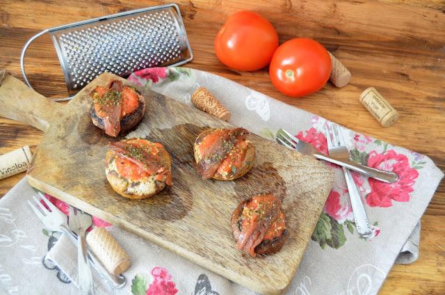 champiñones, champiñones al horno, champiñones receta, champiñones rellenos, champiñones rellenos al horno, champiñones rellenos de tomate y anchoas, recetas de champiñones, las delicias de mayte,