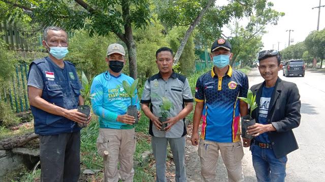Tingkatkan Penghijauan Lingkungan, Lurah Buluh Kasap Bersama Lembaga Jemad Tanam Manggis & Pinang Batara