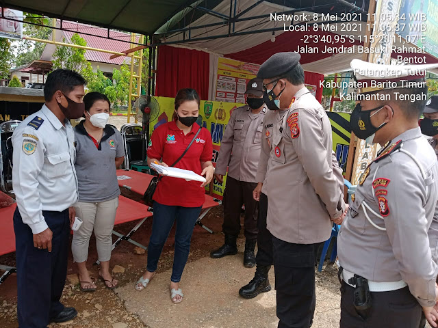 Wakapolres Bartim Dampingi Dirpamobvit Tinjau Langsung Dua Titik Pos Penyekatan  Perbatasan Kalselteng