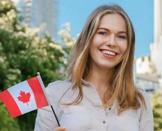 قد تفكر في العيش في كندا