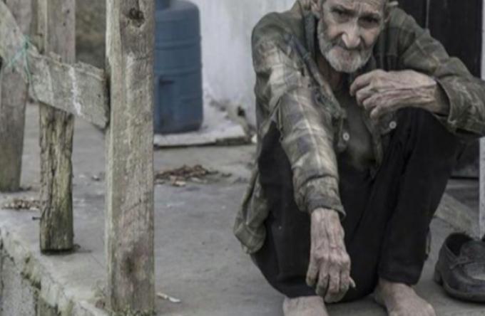 Самотни пенсионери измръзват от студ, а те ни обясняват как живеем добре