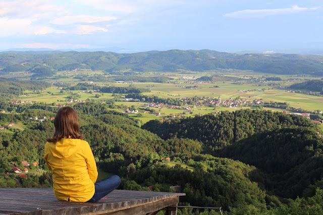 nebesa, Šentrupert, razgled na mesto