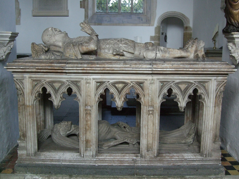 Ejemplo de transi tumba doble con gisant en la parte superior de John Fitzalan