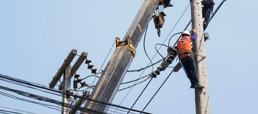 Safety in Overhead Transmission Lines maintenance work