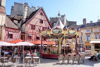 Ailleurs : Le parcours de la chouette, itinéraire touristique insolite à travers le secteur sauvegardé de Dijon