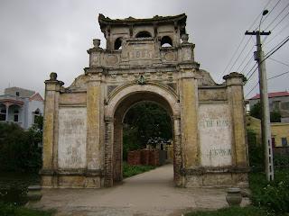 Cổng làng Gia Lâm Hà Nội