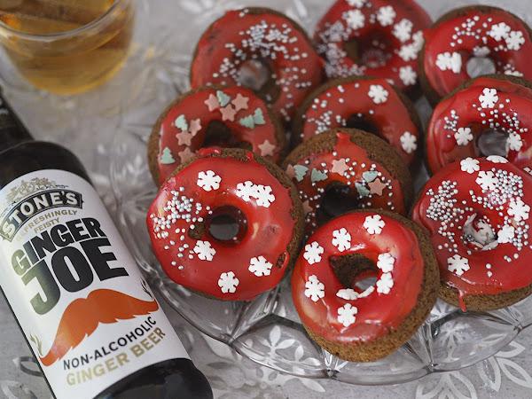 Jouluiset donitsit ja lämmin kanelinen Ginger Beer -toti
