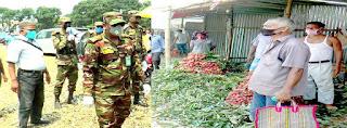 দিনাজপুরের বড় ময়দানের লিচু বাজার মনিটরিং করছে সেনাবাহিনী