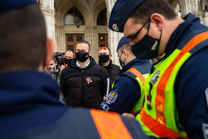 Így büntették a március 15-én törvényt sértő tüntetőket!