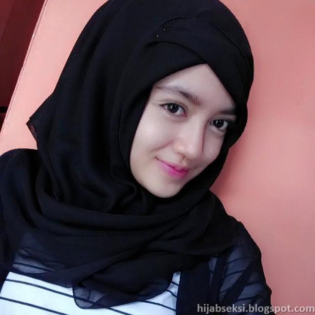 Hijab Seksi: Cewek Jilbab Ngentot Di Kamar Mandi