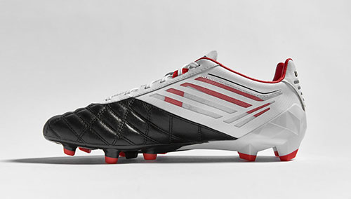 Football-Boots-Umbro-Medusae-with-White-Black-and-Grenadine-2