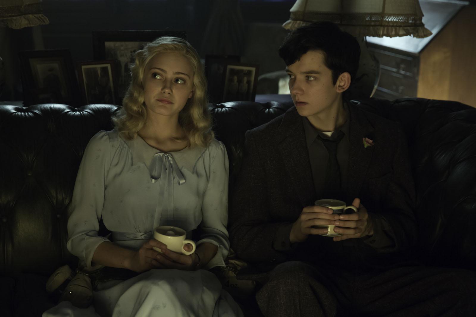 """Asa Butterfield y Ella Purnell en """"El Hogar de Miss Peregrine para niños peculiares"""""""