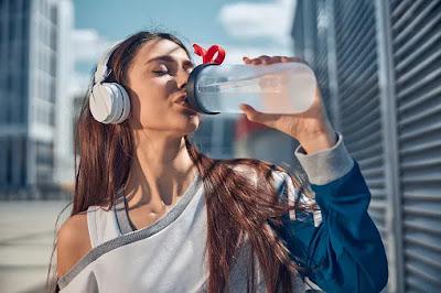 Minum Air yang Banyak Supaya Racun Dalam Tubuh Luruh