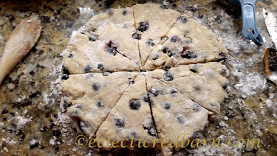 Lemon Blueberry Scones. Share NOW. #dessert #scones #blueberry #breakfastsweets