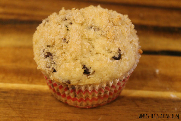 Sugar-Crusted Chocolate Chip Muffins // These muffins are sure to bring a little sweetness to your morning! #recipe #breakfast #muffins #chocolate