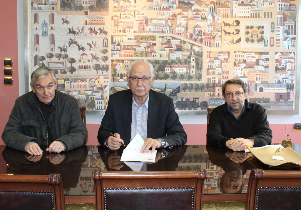 Υπεγράφη η σύμβαση για την συντήρηση και επισκευή οδοστρωμάτων στο Δήμο Λαρισαίων