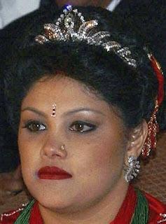 diamond tiara nepal queen komal princess prerana