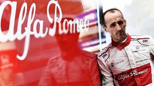 """Κουμπίτσα: """"Δεν αγοράζω ποτέ κόκκινο αυτοκίνητο, γιατί μου θυμίζει την Φερράρι"""""""