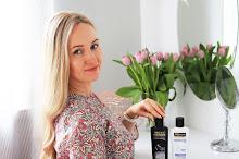 Tonowanie blond włosów w domu | TRESemmé Violet Blonde Shine