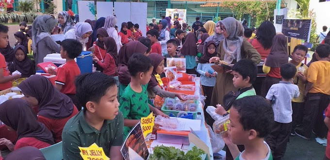 SD Islam Dian Didaktika Gelar Market and Science Day