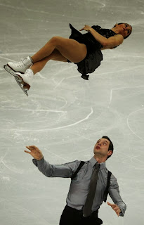 17. How's it hangin'? - 22 Olympics Photos That Will Destroy Your Faith In Gravity