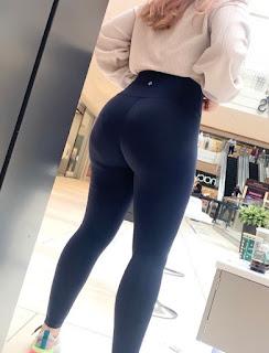 Mujeres bonitas colas redondas leggins