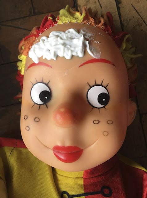 boneca com creme na testa - em processo de restauração!
