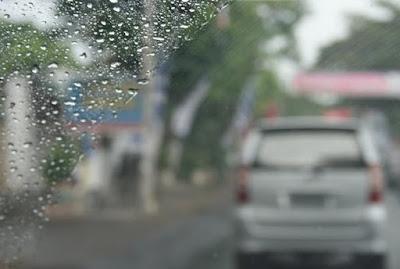 4 Langkah Mempersiapkan Mobil Tetap Aman saat Musim Hujan