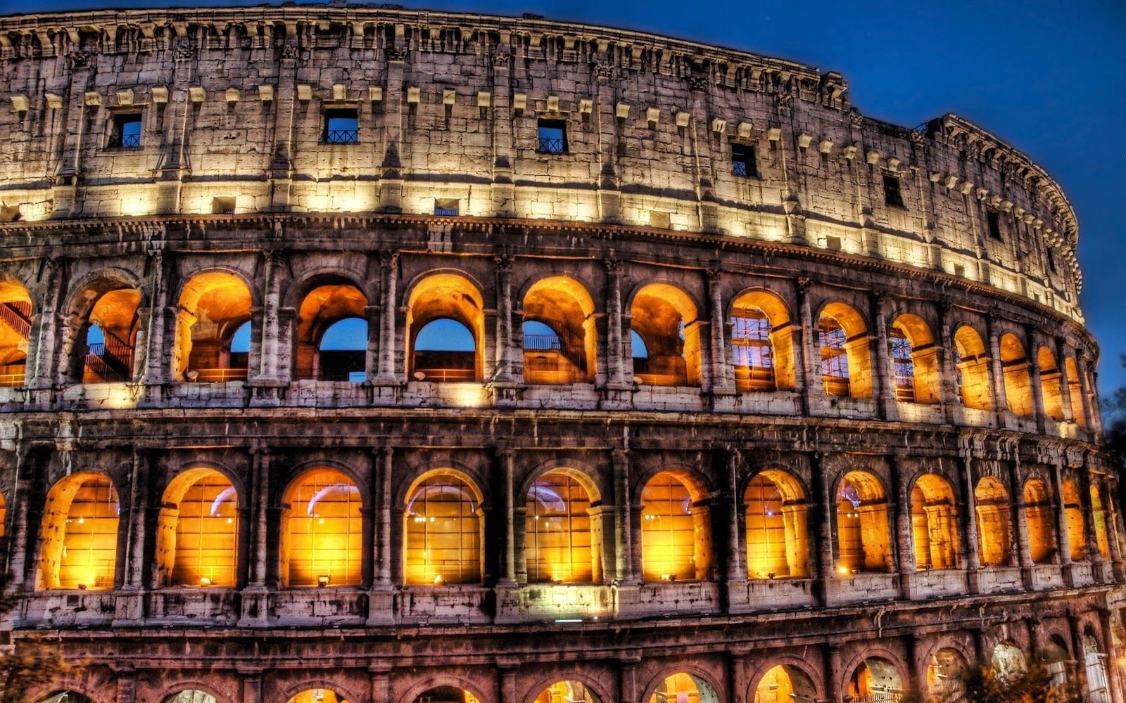 TOP 10 THE MOST VISITED PLACES : Colosseum