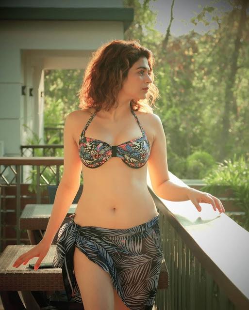 Shraddha Das Recent Hot Bikini Photos Navel Queens