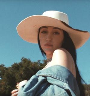 Song Lyrics  Noah Cyrus - July