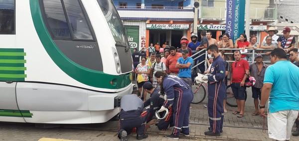 Ciclista é atropelado por trem em estação de Sobral, no interior do Ceará