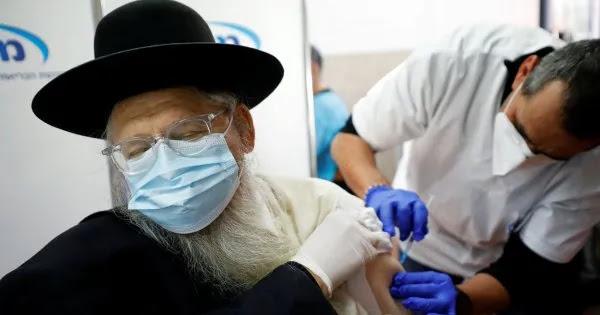 Υπουργός Υγείας Ισραήλ: «Ή εμβολιάζεστε ή δεν θα εργάζεστε»!