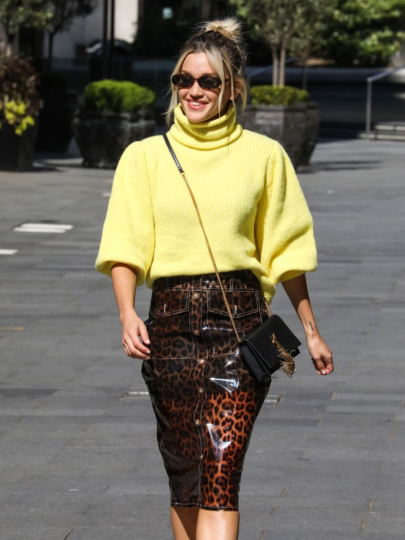 Ashley Roberts Spotted at Global Radio in London 19 MAy -2020
