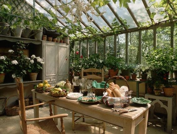Moon to Moon Green House Garden Room Dining